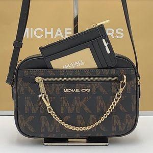 • Michael Kors Jet Set Item Large East West Zip Chain Black Crossbody Bag